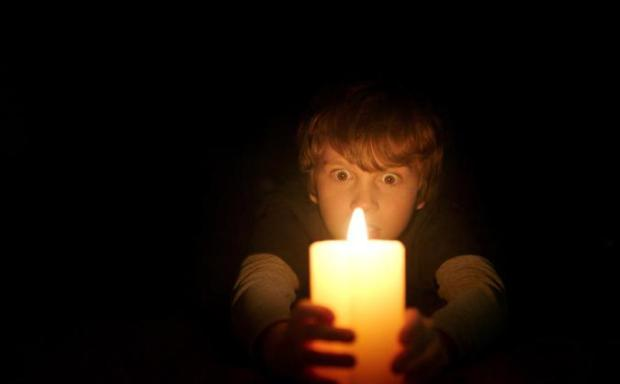 lights-out-mit-gabriel-bateman