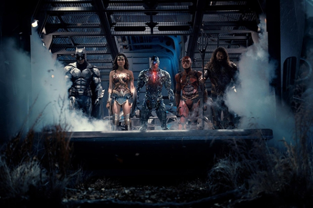 justice-league-mit-ben-affleck-ezra-miller-gal-gadot-jason-momoa-und-ray-fisher