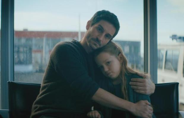 09_+Vater+und+Tochter+halten+zusammen